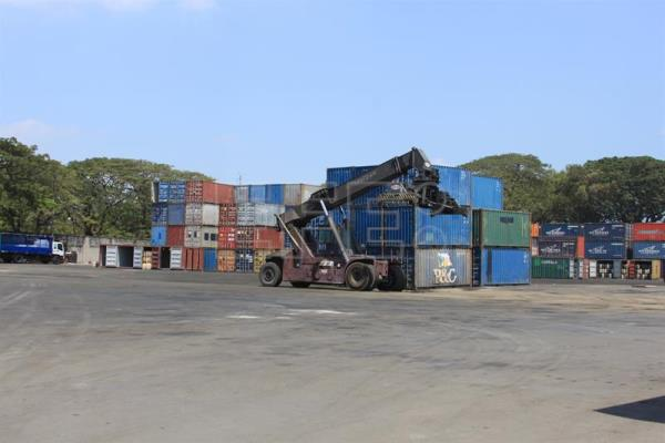 New freight center to help protect biosecurity of Ecuador's Galapagos Islands