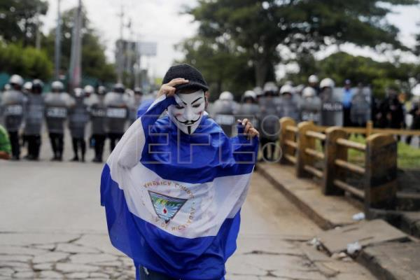 Thousands of demonstrators participate in a march named 'Rescue the Homeland' in protest against President Daniel Ortega in Managua, Nicaragua, on 16 September 2018. EPA-EFE/Esteban Biba