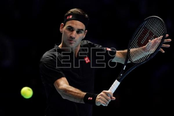 Federer beats Berrettini in 1st ATP Finals win