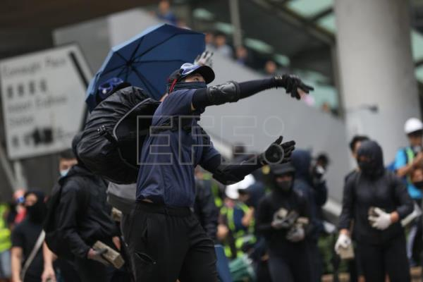 More clashes in Hong Kong after day that saw 128 injured, 260 held