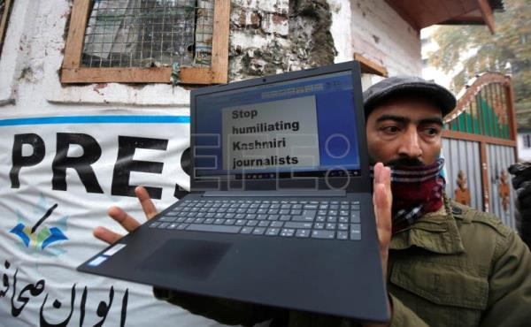 Indian Kashmir completes 100 days without internet after lockdown