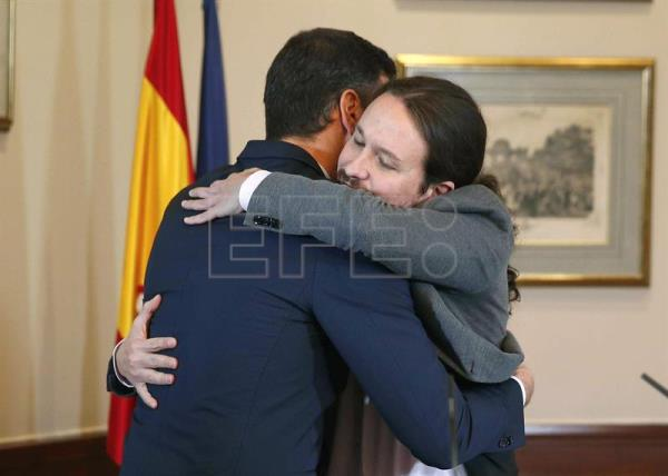 Socialist Party and Unidas Podemos sign a pre-agreement for a coalition government