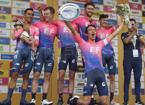 CICLISMO TOUR COLOMBIA - Education First gana la crono y Urán es el primer líder en Colombia