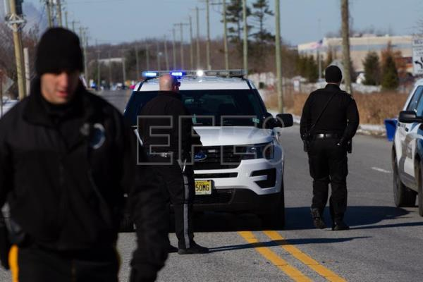 Hostage standoff in US ends with captives freed unharmed | World
