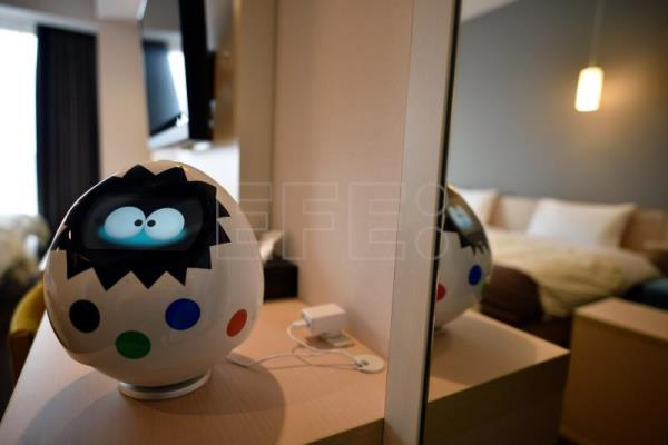 Strange robot hotel in Japan loses love for robots