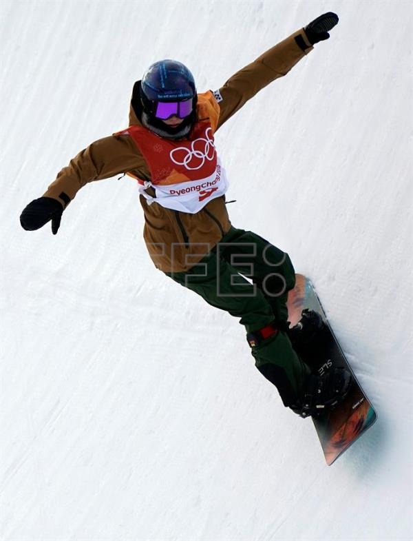 Spain's Queralt Castellet qualifies for women's snowboard halfpipe final run