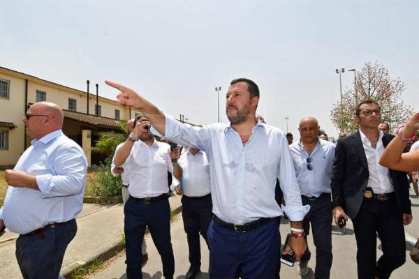 Italian Interior Minister Salvini hails closure of Mineo migrant centre