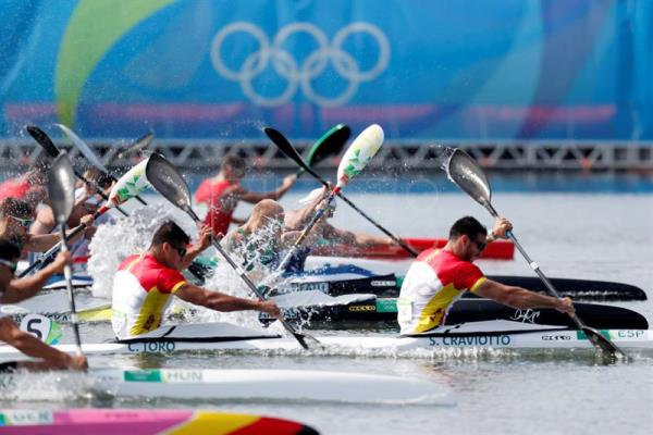 Cristian Toro L And Saul Craviotto R Of Spain Compete During The