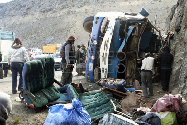 Bus accident kills 12, injures 30 in Bolivia