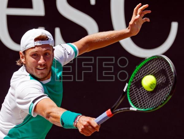 Atp singles stuttgart germany grass