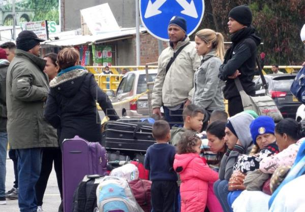 Ecuador eliminates passport requirements for Venezuelan kids, teens