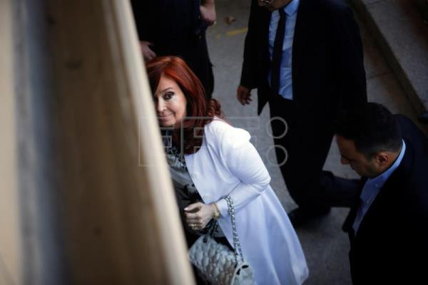 Cristina Fernandez tells Argentine court she's victim of persecution