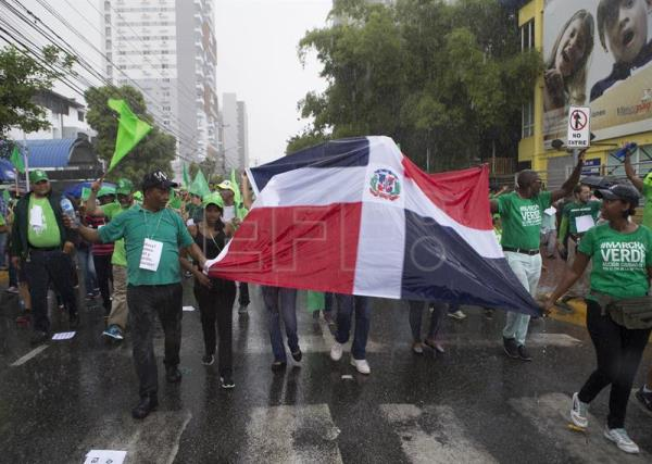 Thousands of Dominicans march to protest Odebrecht corruption