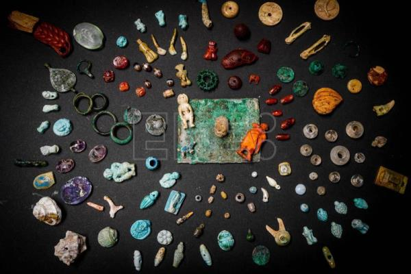 Jewels, good luck charms found in ancient city of Pompeii