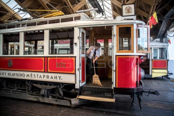 Blast from the past, historic trams crank up in Prague
