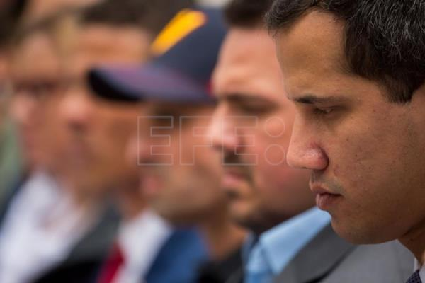 Guaido claims that Maduro intends to dissolve Venezuelan parliament