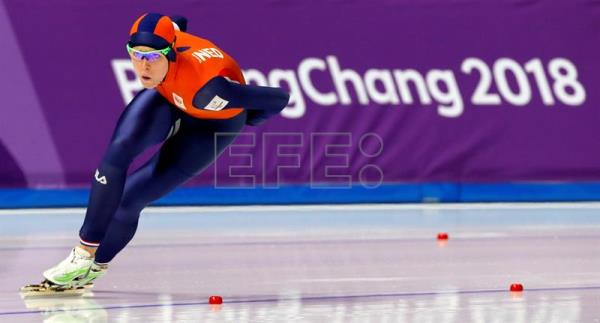 epa06523985 Jorien ter Mors of Netherlands in action during the Women's Speed Skating 1000 m competition at the Gangneung Oval during the PyeongChang 2018 Olympic Games, South Korea, 14 February 2018. EPA/KIMIMASA MAYAMA