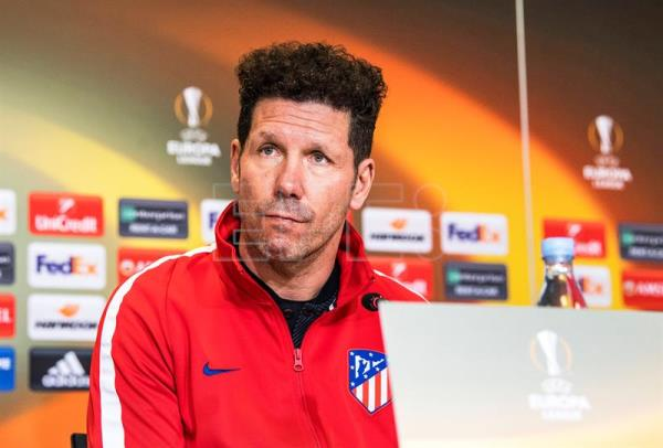 Atletico Madrid's head coach Diego Simeone attends a press conference at Parken Stadium in Copenhagen, Denmark, Feb. 14, 2018. EPA-EFE/ANDERS KJAERBYE