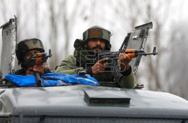 Four army men, two militants and one civilian killed in south Kashmir