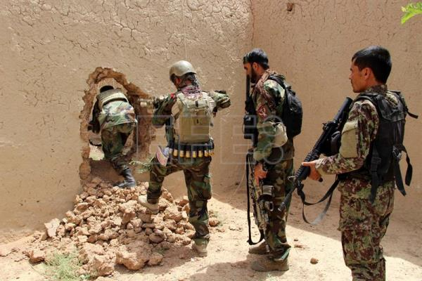 Afghan special forces free 58 prisoners from Taliban prison cell