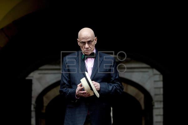 James Ellroy : Vivo absolutamente en mi imaginación