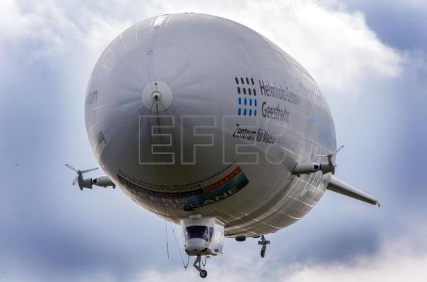 Greece to monitor migrants trying to reach its islands with zeppelin