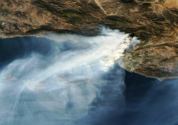 Photo made available by NASA Worldview on Dec. 7, 2017 shows a Aqua/Terra/MODIS satellite image of the Thomas Fire in southern California, USA, Dec. 6, 2017. EPA-EFE/NASA Worldview