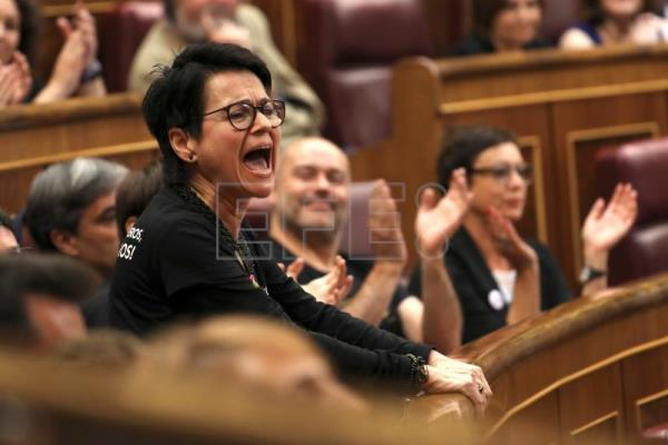 Catalan debate dominates Spanish parliament as MPs swear in
