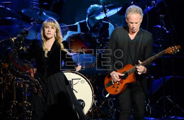 Lindsey Buckingham, despedido de Fleetwood Mac, demanda a sus excompañeros