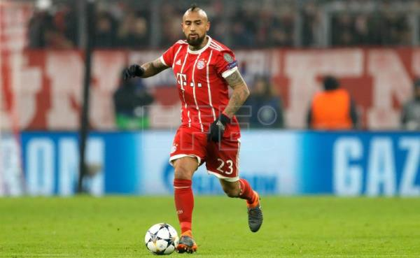 Bayern's Arturo Vidal in action during the UEFA Champions League round of 16, first leg soccer match between FC Bayern Munich and Besiktas Istanbul in Munich, Germany, Feb. 20, 2018. EPA-EFE FILE/RONALD WITTEK