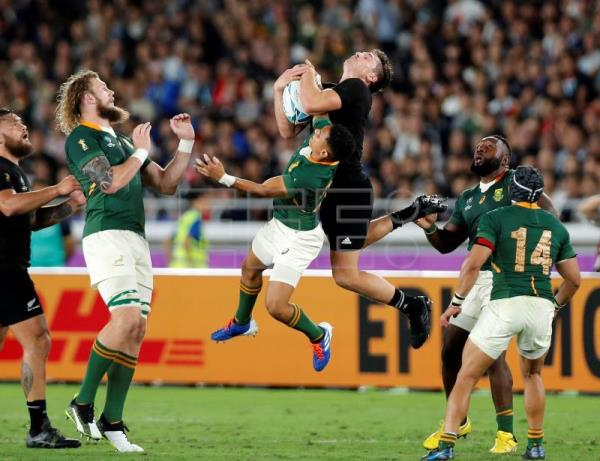 New Zealand start Rugby World Cup title defense with win over South Africa