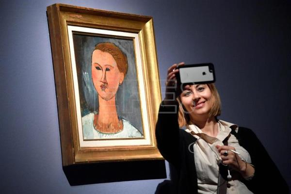 Italy police seize 21 Modigliani paintings on suspicion they could be fake