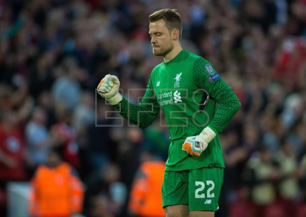Club Brugge signs keeper Simon Mignolet from Liverpool, Adrian replaces him