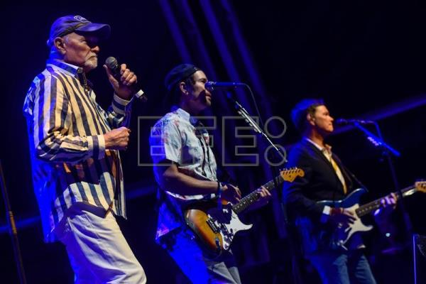 The Beach Boys llenan de buenas vibraciones el BBK Music Legends