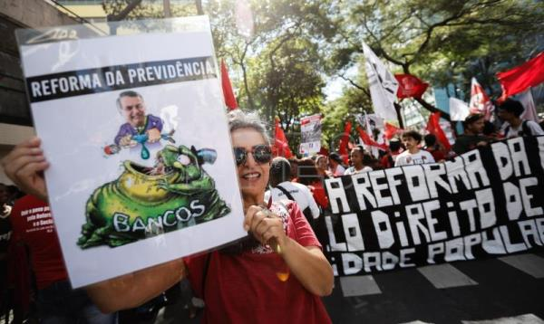 Brazilian general strike presents mixed picture
