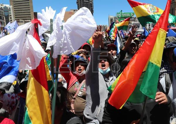 March in support of President Evo Morales in La Paz