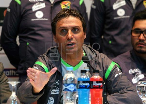 Bolivia's national coach leaves for club in Chile