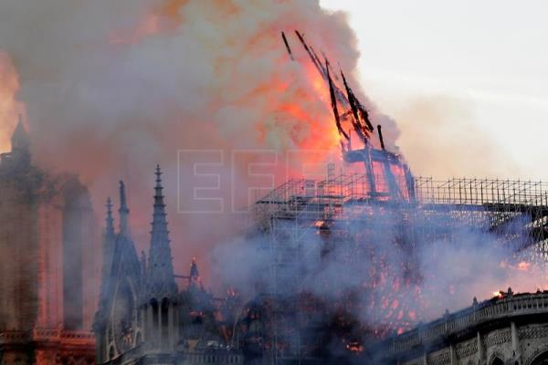 France launches architectural competition to replace Notre Dame spire