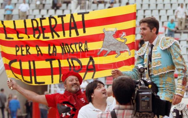Bullfighters, soldiers, TV personalities, the new faces of Spanish politics