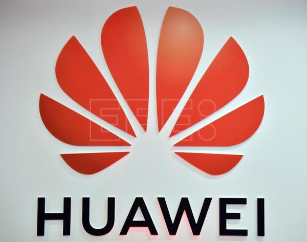 U.S. fights Huawei on undersea data grid