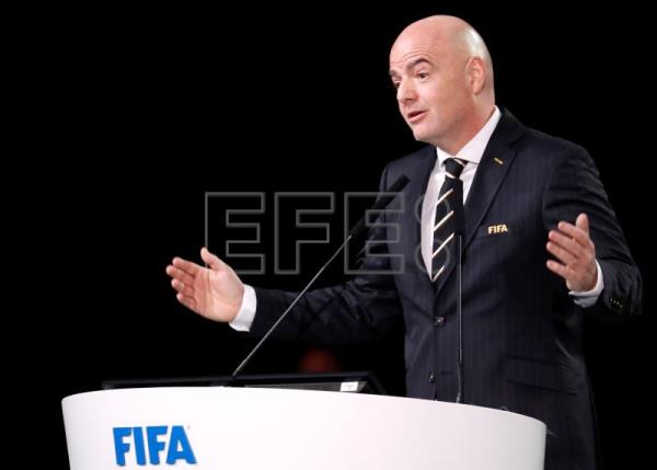 FIFA president Gianni Infantino addresses the delagates at the opening of the 68th FIFA Congress in Moscow, Russia, 13 June 2018. EFE/Archivo