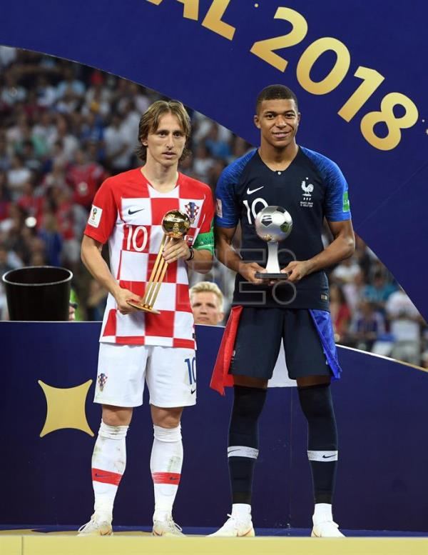 d89b9057b Kylian Mbappe of France (R) with the best young player award and Luka Modric