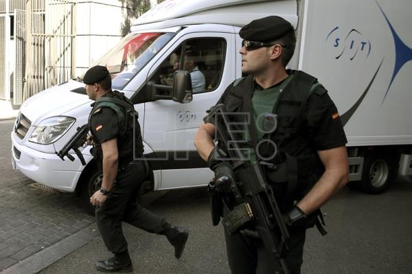 "Archive image shows the arrival to Madrid's Reina Sofia Museum on Aug 11, 2015 of the van transporting the Picasso painting ""Head of Young Woman"" property of the late banker Emilio Botin, after it was flown-in from Corisca (France) By a Guardia Civil aircraft for its deposit and custody at said museum, after Jaime an attempt to illegaly export it, allegedly to be auctioned without the authorization of Spanish authorities.  EFE/Chema Moya"