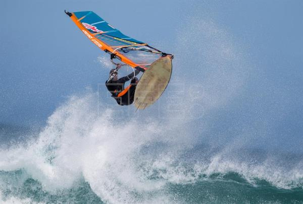 Energy efficient windsurfing boards tested on South Africa's