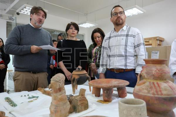Ecuador recovers 530 cultural artifacts