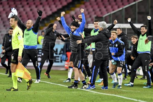 Atalanta's coach Gian Piero Gasperini celebrates the victory at the end of the Italy Cup quarter-final soccer match SSC Napoli vs Atalanta BC at San Paolo stadium in Naples, Italy, Jan. 2, 2018. EPA-EFE/CIRO FUSCO
