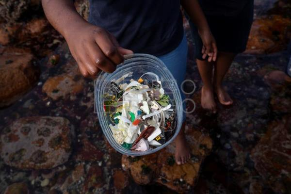 G20 agrees to create international framework to reduce marine plastic waste