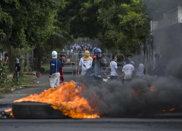 Army deployed in Nicaragua after 25 killed in protests