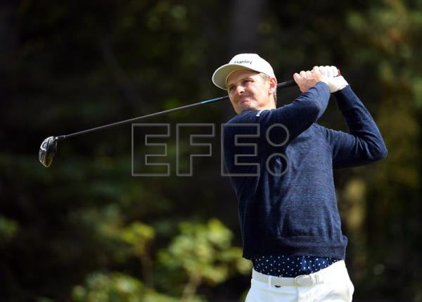 Lowry takes commanding Open Championship lead after 3 rounds