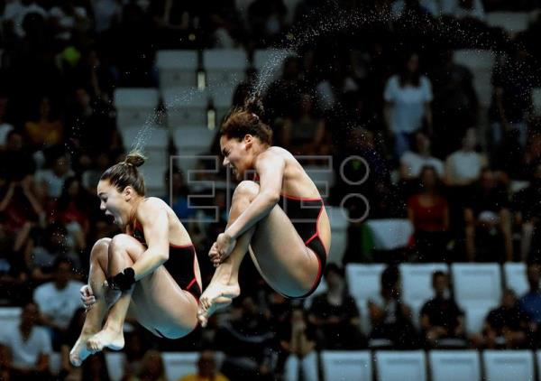 Gabriela Agundez Garcia and Samantha Jimenez Santos of Mexico compete in the women's diving 10m synchro platform preliminary of the FINA Swimming World Championships 2017 in Duna Arena in Budapest, Hungary, 16 July 2017. EFE